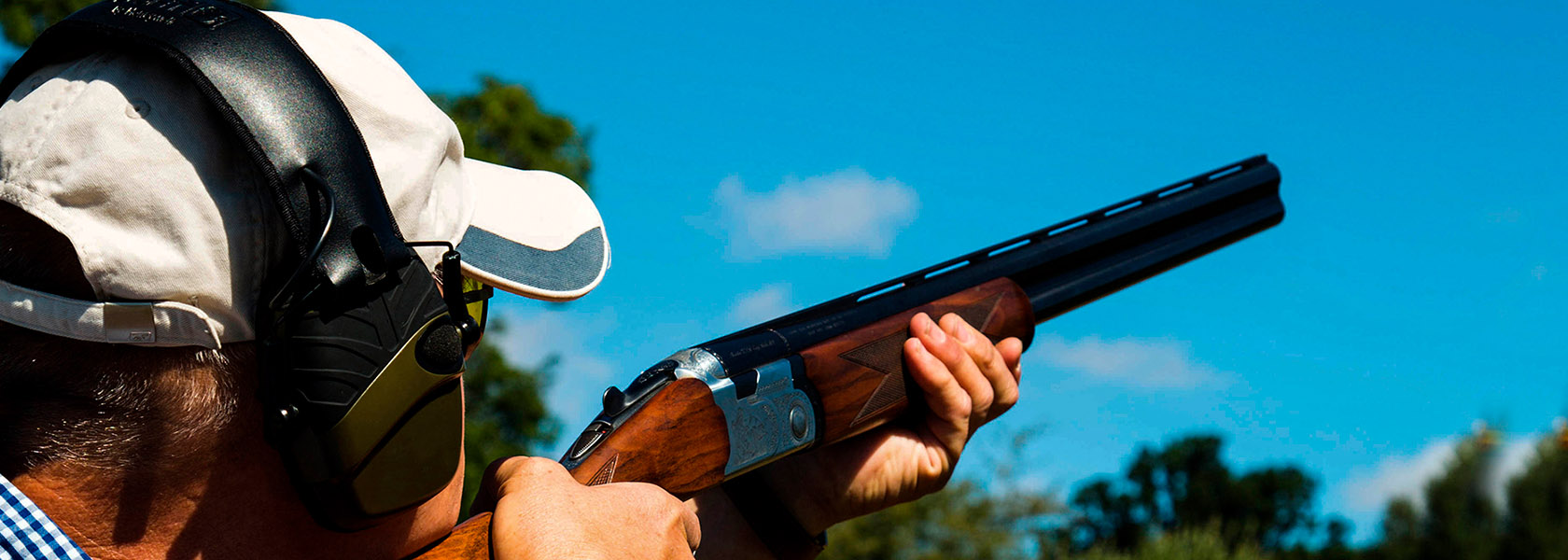 ClayShooting_1680px