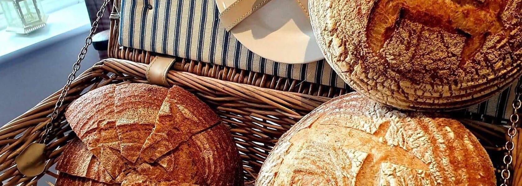 Dining_Bread_1680px